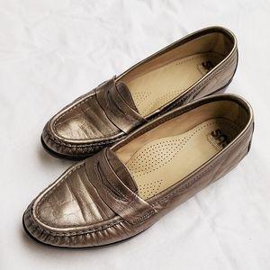 SAS Gold Metallic loafers flats comfort shoes sz 7